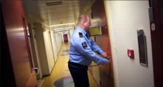 Sem-betjent